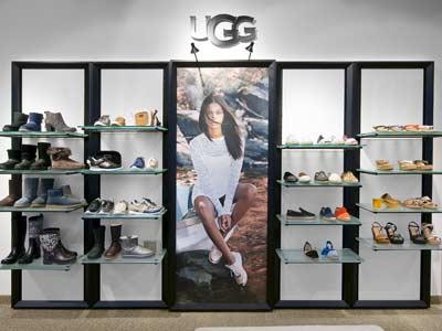 Ugg POS Shop Schuhwand und Imageposter